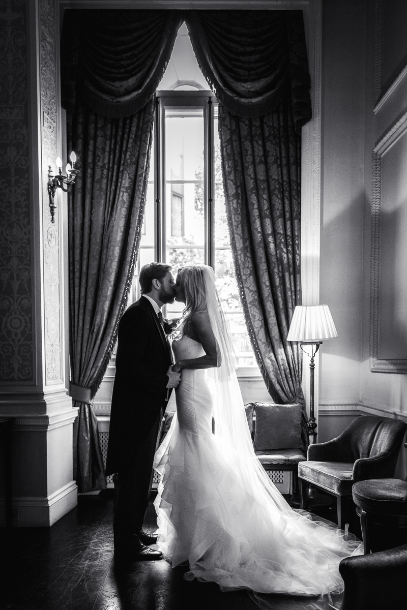 Caroline and Justin Landowne club wedding photos - Mayfair London - 21-10-2017 - Scott Miller photography and Boutique wedding films London