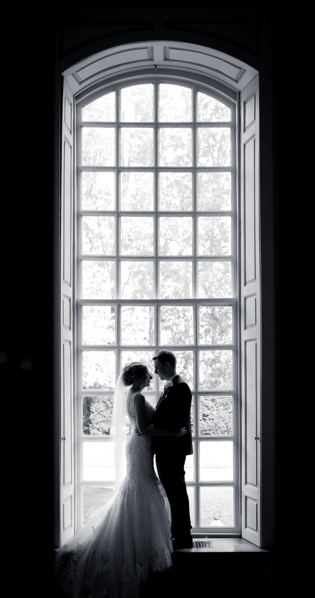 Gosfield Hall wedding photographer Scott Miller - Ian and Laura wedding photos 11-05-2017 - Modern stylish wedding photography